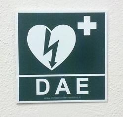 Adesivo per segnalazione defibrillatore DAE 20x20 cm