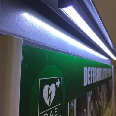 Impianto luce a led per pannelli di indicazione/sponsorizzazione postazioni di defibrillazione DAE