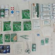 Kit completo di primo soccorso per uso sportivo