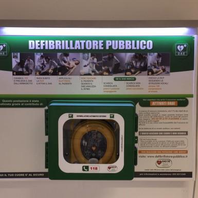 Pannello di indicazione/sponsorizzazione per postazioni di defibrillazione DAE